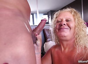 Unstinted 'round humble blondie mam Lila - Granny Porn