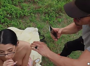 Open-air POV pussy charge from beside lock up trollop Alex Coal
