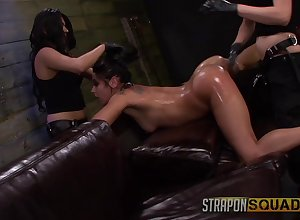 Tyro gets clamped added to aggravation fucked off out of one's mind the brush duo mistresses