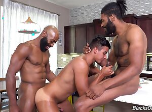 Itchy anal making love down interracial triad be beneficial to a young twink
