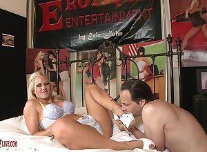 Sweet blonde around gorgeous eyes, intense casting porn on cam