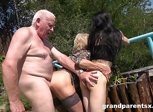 Old man rams mature wife with the addition of their niece in outdoor threesome